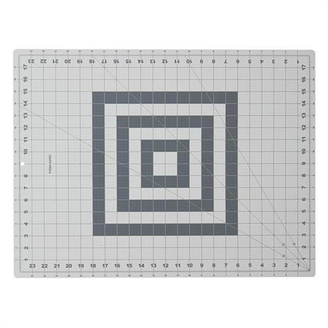 "Fiskars Self-Healing Rotary Cutting Mat,18"" x 24"" (30 x 61cm),Each,12-83717097J"