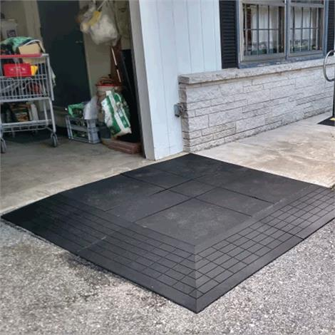 SafePath Two-Sided EntryLevel Landing Ramp - 3/4 Inch Height,60L x 48W x 3/4H,Black Rubber,Each,EL2 .75 6048 B